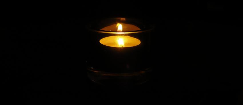Niecmentarna świeczka