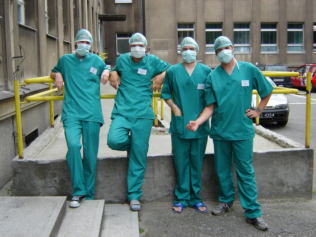 Studenci ratownictwa medycznego